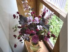 #Букет из дачных цветов  #Bouquet from country flowers  #Мак, #седум, #спирея Диаболо, #кровохлебка, #котовник ...
