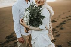 Wedding Photography Checklist, A Must-Have For Memorable Weddings – PhotoTakes Wedding Photography Checklist, Professional Wedding Photography, Wedding Photography Poses, Couple Photography, Photography Ideas, Pre Wedding Poses, Pre Wedding Photoshoot, Wedding Shoot, Wedding Couples