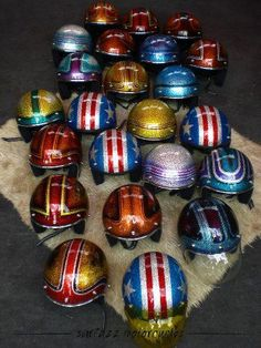 helmets vintage Custom Moto, Bobber Custom, Custom Helmets, Custom Bikes, Motorcycle Helmet Design, Cafe Racer Helmet, Motorcycle Helmets, Riding Helmets, Cool Motorcycles