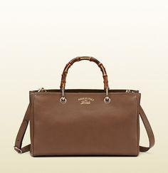 Gucci - bamboo shopper leather tote 323660A7M0G2527 Sacs À Main Gucci, Sacs  À Main Pas 1ec3c0a787b