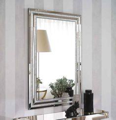 Speil modell NACAR. http://www.dekorativtspeil.com/katalog/moderne+speil+i+glass++%28+opp+til+kr+3.500%2C-+%29/artikkelen/48840/Speil+%3A+Modell+NACAR #speil #sølv #krystall #design #interior #interiør #interiormirame
