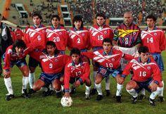 Parraguez, Rojas, Gomez, Acuña, Cossio, Ponce;  Salas, Vergara, Villarroel, Valencia, Gonzalez.