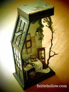 titlepagesepsitename - - book nooks for fairies miniatures for libraries book shelfs. Vitrine Miniature, Miniature Rooms, Miniature Crafts, Miniature Houses, Book Nooks, Miniture Things, Fairy Houses, Dollhouse Miniatures, Minis