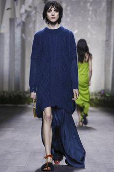 Vionnet Ready To Wear Fall Winter 2014 Paris - NOWFASHION