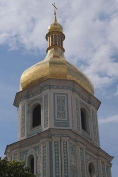 Torre sineira da Catedral de Santa Sofia de Kiev, em Kiev, Ucrânia. Fotografia: dasjo.