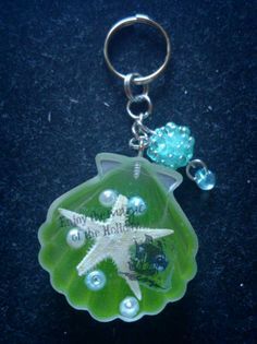 Shell keychain green