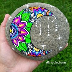 Easy paint rock for try at home (stone art & rock painting ideas) . Pebble Painting, Dot Painting, Pebble Art, Stone Painting, Shell Painting, Mandala Painting, Rock Painting Ideas Easy, Rock Painting Designs, Painting Tutorials