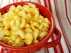 Slow Cooker Mac and Cheese: We know kids love creamy macaroni and cheese, which makes this seriously easy recipe from Culinary Cory perfect for busy Fall days. Serve with roasted chicken and fresh steamed veggies for a complete meal. Source: Culinary Cory