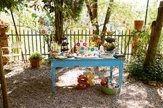 Oslava léta French, Garden, Furniture, Home Decor, Decoration Home, French People, Room Decor, Lawn And Garden, Gardens