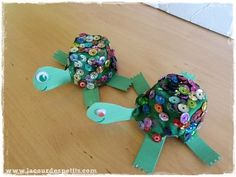 DIY turtle in egg box Web Animal, Arts And Crafts, Paper Crafts, All Vegetables, New Years Eve Party, Creations, Boutique, Animals, Pirate