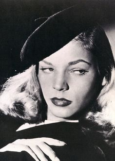 Vintage Movie Legend Lauren Bacall Postcard
