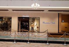 07-11-2018 Hiszpańska Spółka Giełdowa - Inditex aktualnie jest obecny na 96 rynkach, w tym na 49 online, firma prosperuje na wszystkich pięciu kontynentach, gdzie działa ponad 7 000 sklepów. Inditex zarządza 8 markami: Zara - 2238 sklepów Pull & Bear - 969 sklepów Massimo Dutti - 764 sklepów Bershka - 1,093 sklepów Stradivarius - 1,007… One Half, Investing, Chandelier, Patio, Ceiling Lights, Lighting, Home Decor, Candelabra, Decoration Home
