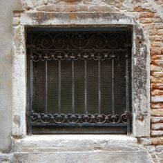 old window from venice 10