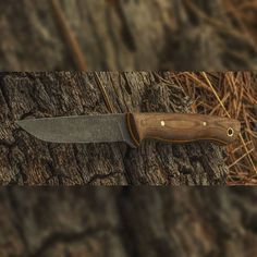 Light Hunter model in brown canvas Micarta, yellow and natural spacers. Acid etched blade with brass pins. #knives #usnstagram #usnfollow #knifeporn #bushcraft #hunting #everydaycarry #jabakerknives