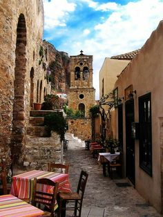 Μονεμβασια Beautiful Islands, Beautiful Places, Places Around The World, Around The Worlds, Santorini Villas, Myconos, Places In Greece, Greek Beauty, Greek Culture