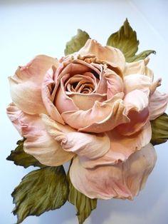 Gallery.ru / Фото #51 - цветы из кожи - ryzhovatv Cloth Flowers, Sugar Flowers, Diy Flowers, Fabric Flowers, Flower Crafts, Flower Art, Cold Porcelain Flowers, Egg Carton Crafts, Gum Paste Flowers