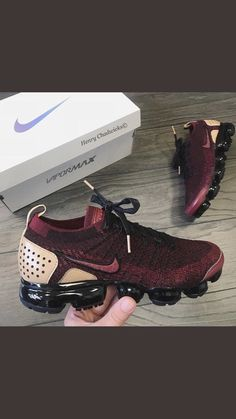 Designerschuhe - My World - Nike - # Dr Shoes, Tennis Shoes Outfit, Cute Shoes, Me Too Shoes, Casual Shoes, Work Casual, Cute Sneakers, Shoes Sneakers, Platform Sneakers