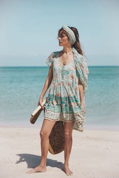 Spell & The Gypsy Collective is a bohemian fashion brand, known worldwide for its gypsy-inspired creations. View our collections at White Bohemian store. White Bohemian, Bohemian Look, Boho Hippie, Moda Australiana, Spell Designs, Poses, Easy Wear, Boho Outfits, Summer Outfits