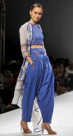 Poonam Dubey AIFW SS 2016 Indian Fashion