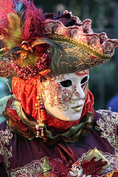 Carnival mask and hat