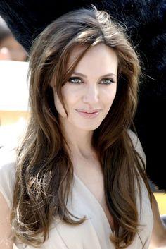 Los secretos de Angelina Jolie y Amanda Peet http://streetdetails.es/anglina-jolie-y-amanda-pet-sucumben-a-dragons-blood/