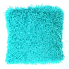 Chlpatá obliečka na vankúš tyrkysovej farby Bath Mat, Rugs, Home Decor, Carpets, Interior Design, Home Interiors, Bathroom, Carpet, Decoration Home