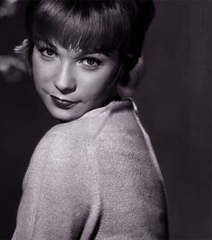 shirley maclaine Shirley Maclaine, Old Movies, Actors & Actresses, Boy Or Girl, Faces, Film, Boys, Music, People