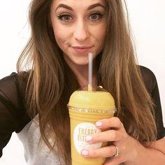Ooooo H E L L O  Y E L L O W  (sub hemp protein for Vanilla baby! ) #lemon #cayenne #tumeric #smoothie #psycle #energykitchen #goodness #fresh #selfie #london #fitness #clean #yellow #spring #humpday #werkwerkwerk #selfridges by pearlclarke