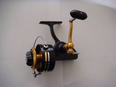 heavy duty spinning reel salt water reel carp reel salmon reel available if ad is still posted if need more than 1 reel, specify type of reel (710z, 706z or 704z) and quantity in email. lowballers will be ignored penn 710z fishing reel perfect condition price - $115 • stainless steel bail. • stainless steel main shaft. • stainless steel, hard chrome plated line roller. • shield