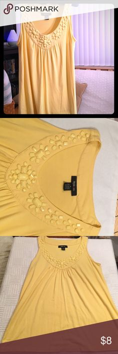 Med. Yellow Scoop Neck Sleeveless Top with Beading Loose Fit • Good Condition • All Original Beads Style & Co Tops Blouses