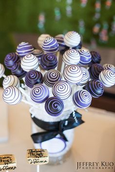 Wonka Swirl Cake Pops by Sweet Lauren Cakes, via Flickr