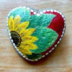 Sunflower heart . . . . . #rocklove #rockbeauty #paintedstones #stonepainting #stonecanvas #painting #paintedrocks #stonebeauty #stoneart #artrocks #artonrocks #art #paintedart #gardenrocks #gardenart #rockpainting #paintingrocks #sunflower Reposted Via @yourgardenrocks
