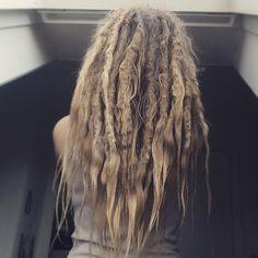#dreadies #dreadiesallday #wonderlocks Thick Dreads, Natural Dreads, Dreadlock Hairstyles, Messy Hairstyles, Blonde Dreads, Beautiful Dreadlocks, Box Braids, Dream Hair, Le Jolie