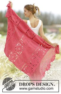 """Poppy Fields - Crochet DROPS blanket with crochet squares, lace pattern and fans in """"Paris"""". - Free pattern by DROPS Design"""