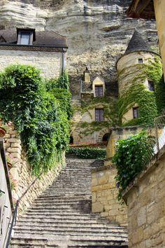 La Roque-Gageac, Dordogne, France.