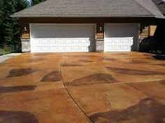 Fix that Cracked driveway by using the cracks as a design. Concrete Wood Floor, Acid Stained Concrete, Concrete Driveways, Flagstone, Driveway Repair, Hardwood Floors, Flooring, Driveway Landscaping, Curb Appeal