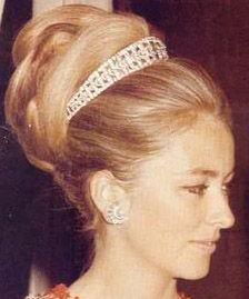 Belgian Diamond Bandeau Tiara, worn by Queen Paola. Can also be worn as a choker. Made in the early 20th century for Queen Elisabeth of the Belgians. Loaned to Princess Mathilde for her wedding in 1999.