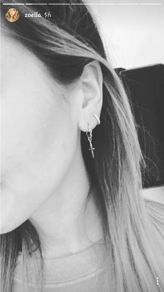 I love the tiny hoops in her second piercing  #zoella