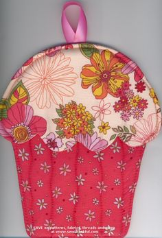 Hot Cakes Cupcake Oven Mitts pattern by Susie C. Shore Designs