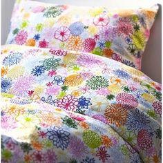 Ikea Renate Flora Duvet Cover Set Twin 2pcs 100% Cotton IKEA http://smile.amazon.com/dp/B00XDAAVGC/ref=cm_sw_r_pi_dp_NNlOvb0D2YXBC
