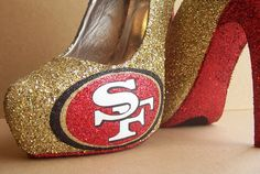 Funky Wedding Shoes for Sports Loving Brides San Francisco I want these sooo bad! Sf Niners, Forty Niners, Niners Girl, 49er Shoes, Bridal Shoes, Wedding Shoes, 49ers Pictures, 49ers Outfit, Glitter High Heels