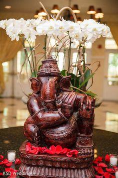 Floral & Decor http://www.maharaniweddings.com/gallery/photo/36653 @rangoliweddings