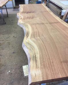 Tischplatte aus einer Stammbohle Esstisch Massivholztisch Dinningtable Table Liveedge