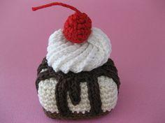 Crochet Patterns Free Amigurumi Food Haken 20 New Ideas Crochet Cake, Crochet Fruit, Crochet Food, Crochet Shoes, Crochet Amigurumi Free Patterns, Free Crochet, Knit Crochet, Food Patterns, Whipped Cream