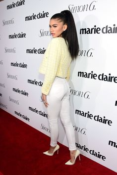 Kylie Jenner & Zendaya Celebrate Their 'Marie Claire' Covers: Photo Kylie Jenner poses alongside her friend Hailey Baldwin at Marie Claire's Fresh Faces party on Monday night (April in New York City. The reality… Zendaya Coleman, Zendaya Outfits, Zendaya Style, Zendaya Photoshoot, Marie Claire, Kylie Jenner, Pictures Of Zendaya, Estilo Zendaya, Yellow Crop Top
