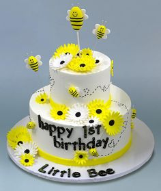 This #cake is as sweet as can bee!