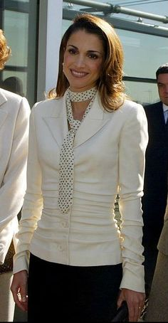 ♔♛Queen Rania of Jordan♔♛... 2002