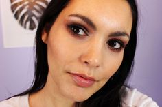 Blogpost on how to wear red eyeshadow using the Charlotte Tilbury Dolce Vita Palette