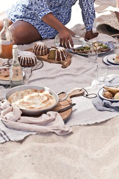 Time to Celebrate and our present to you by Little Upside Down Cake Food Photography Styling, Food Styling, Picnic Decorations, Outdoor Food, Beach Picnic, Home Food, C'est Bon, The Hamptons, Nom Nom
