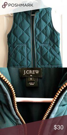 JCrew Puffer Vest Hunter Green Great condition. Small. Hunter green jcrew puffer vest J Crew Jackets & Coats Puffers